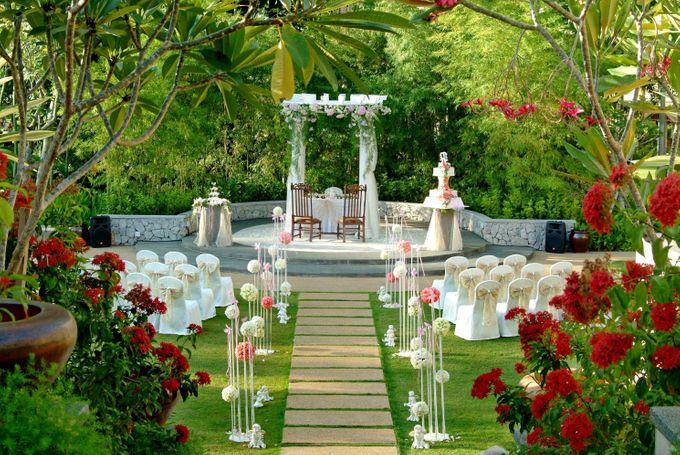 Wedding by the Beach by Shangri-La Rasa Sayang Resort - 004