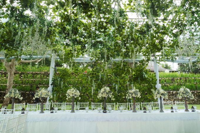 Lush Garden by Puri Amanda Flower Boutique - 005