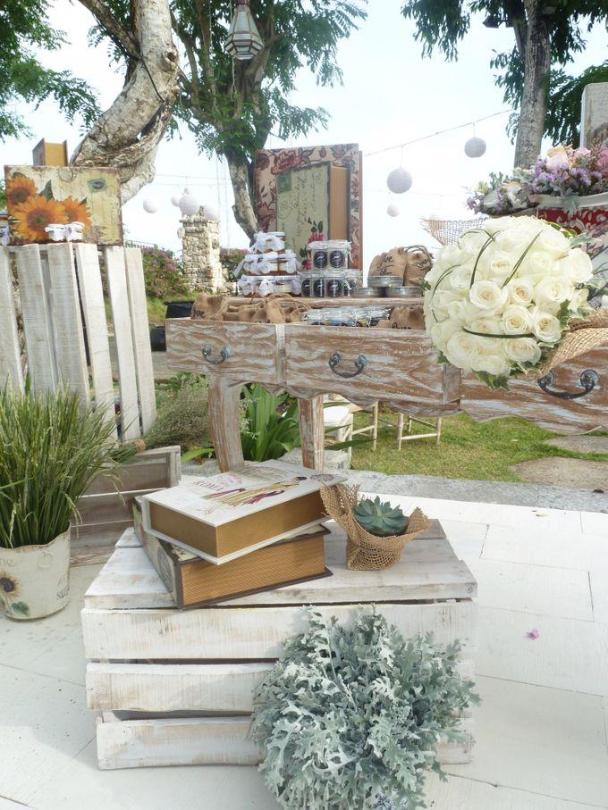 Rustic Pieces by Puri Amanda Flower Boutique - 008