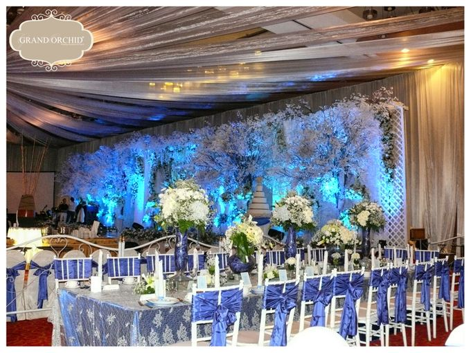 The wedding of helmi and eva by grand orchid decoration add to board the wedding of helmi and eva by grand orchid decoration 001 junglespirit Images