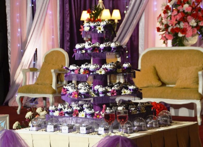 Purple Wedding Cupcakes by Diana's Kitchen - 003