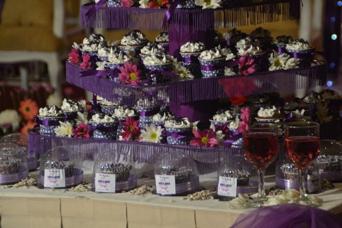 Purple Wedding Cupcakes by Diana's Kitchen - 002