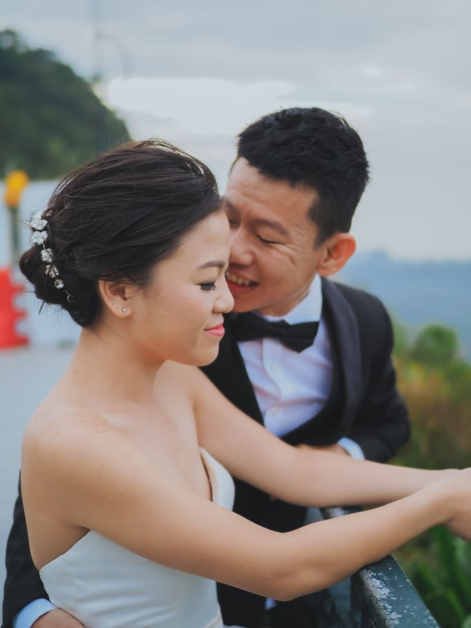 Wenzhi and Yen Sing in Hong Kong by Multifolds Productions - 030