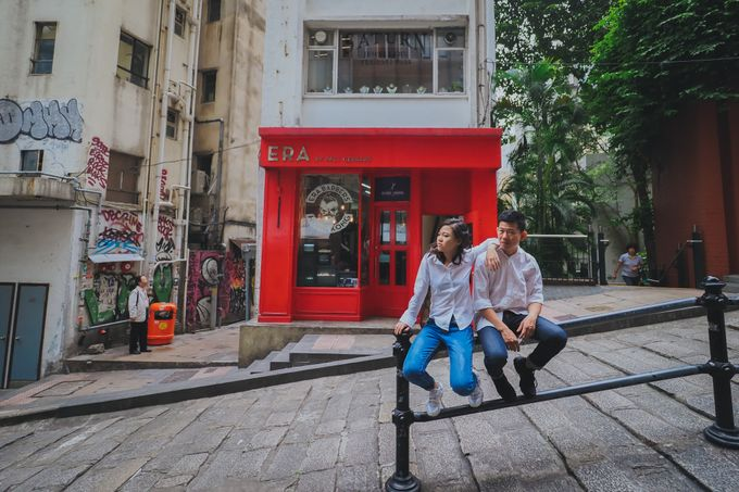 Wenzhi and Yen Sing in Hong Kong by Multifolds Productions - 041