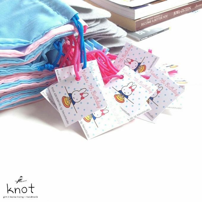 Vivians 7th Birthday Goodie Bag by KNOT - 001