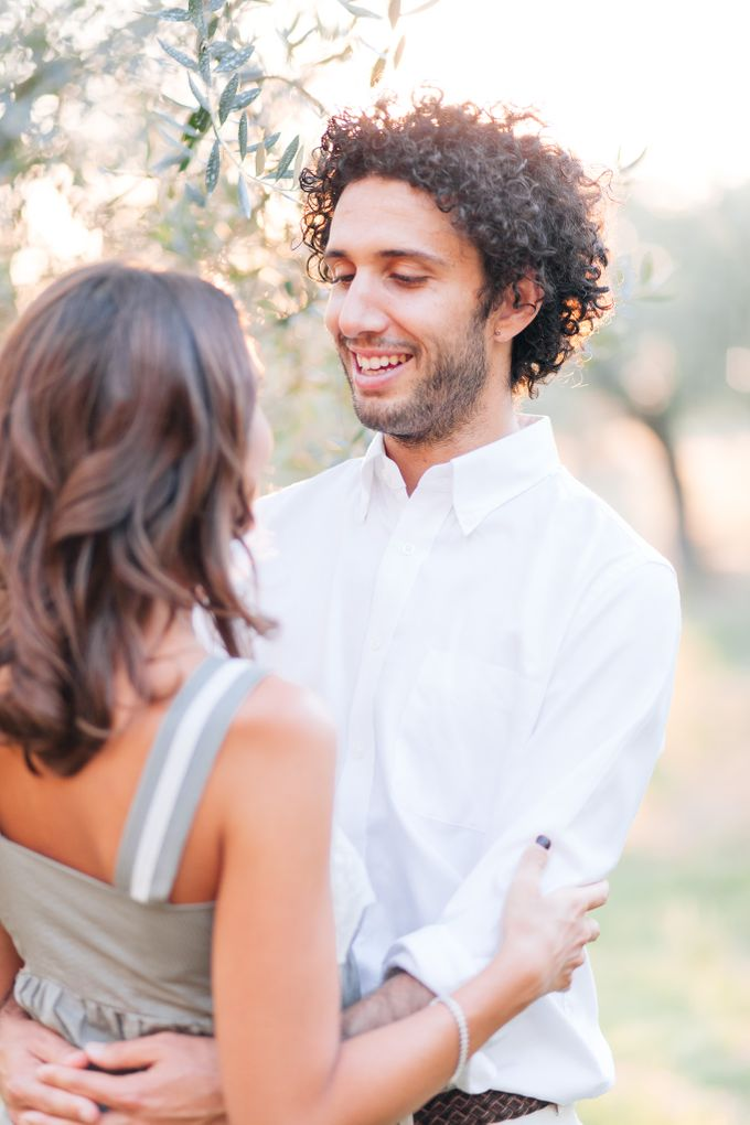 Romantic engagement in tuscany countryside by PURE wedding photography - 006