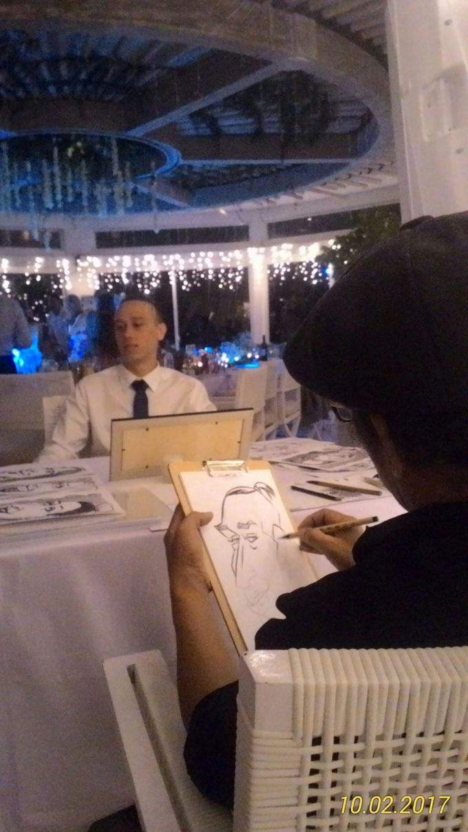 CARICATURE ART  CAN ENTERTAIN UNIQUE GIFT FOR WEDDING GUESTS by Bali Karikatur - 005