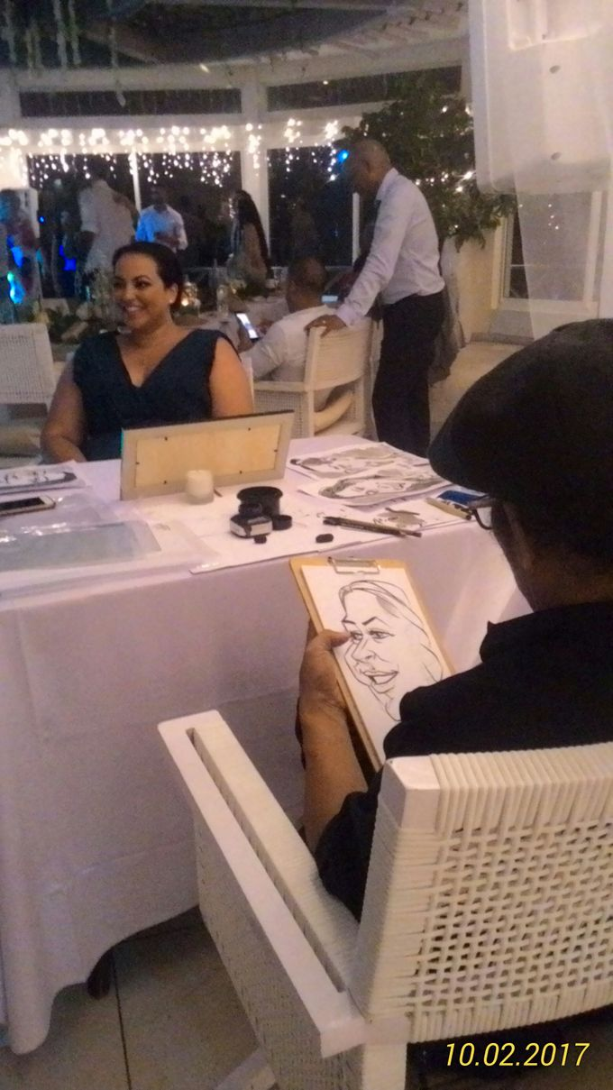 CARICATURE ART  CAN ENTERTAIN UNIQUE GIFT FOR WEDDING GUESTS by Bali Karikatur - 007