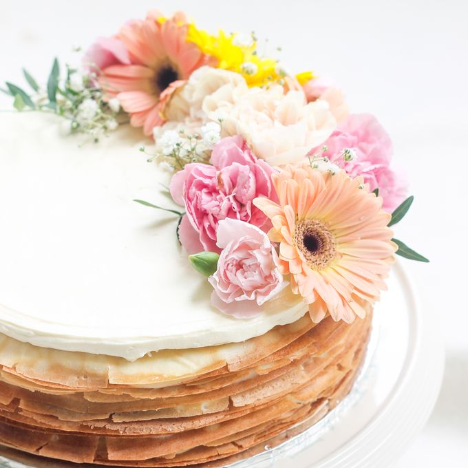 Party Cake - Mille Crepes with Fresh Flowers by Lareia Cake & Co. - 003