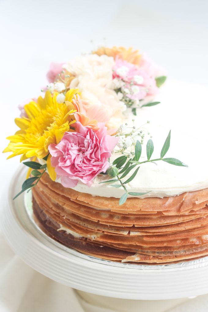 Party Cake - Mille Crepes with Fresh Flowers by Lareia Cake & Co. - 002