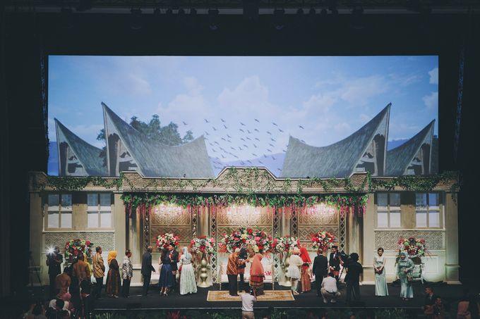 Modern Mandailing Wedding with Video Mapping by Dikaderadjat - 016