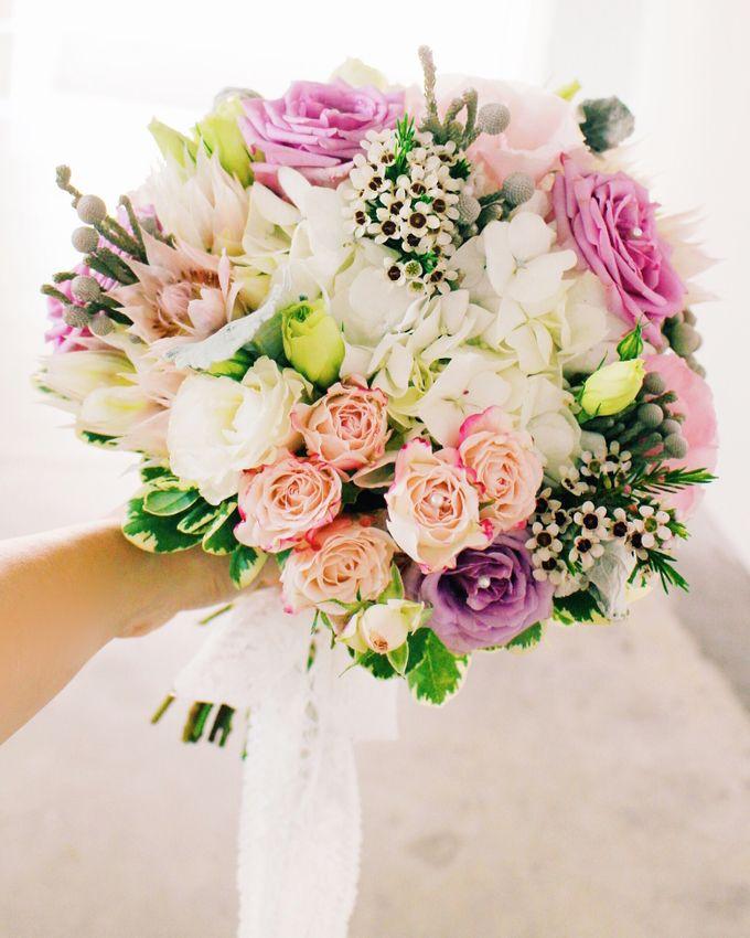 Bridal Bouquets by Ever & Blue Floral Design - 024
