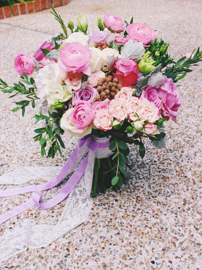Bridal Bouquets by Ever & Blue Floral Design - 019