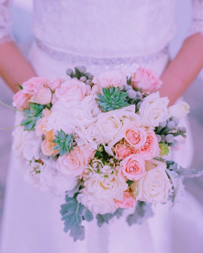 Bridal Bouquets by Ever & Blue Floral Design - 003
