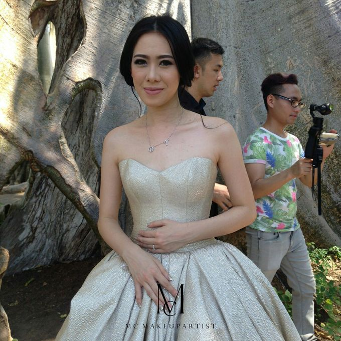 Davin & Yunisa Prewedding Makeup and hairdo by Imelda Hudiyono Bride - 013