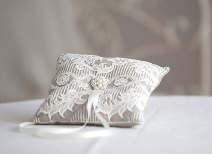 Ring pillows and ring boxes by Weddingbliss - 011