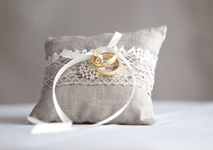 Ring pillows and ring boxes by Weddingbliss - 012