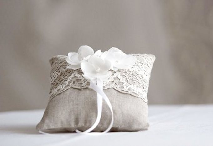 Ring pillows and ring boxes by Weddingbliss - 013
