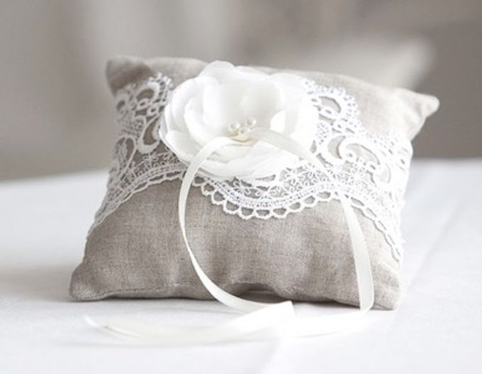 Ring pillows and ring boxes by Weddingbliss - 014