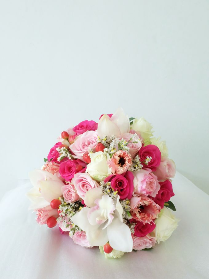 Round Bouquet Collection by Il Fiore - 008