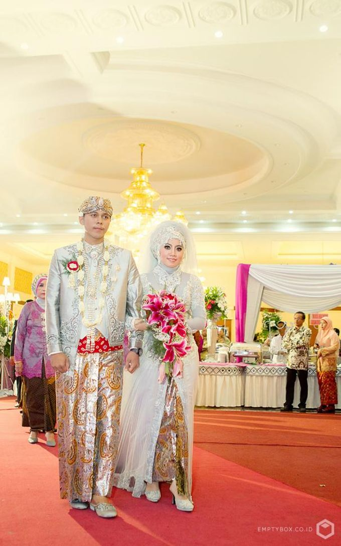 Wedding | Uty + Riki by EMPTYBOX - 006