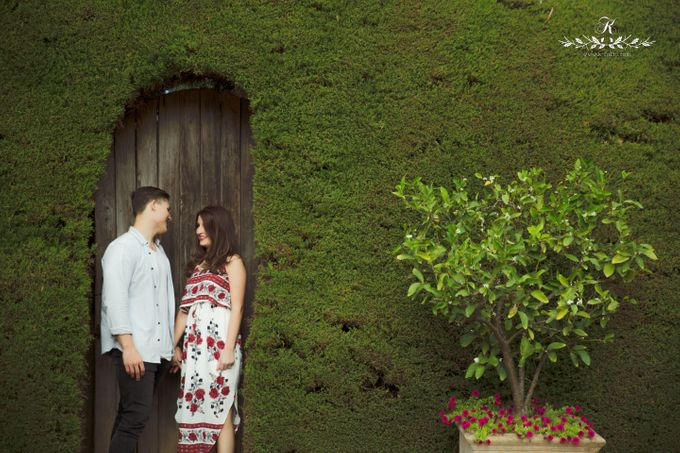 Pre wedding Engagement shoot by k folio photography - 003