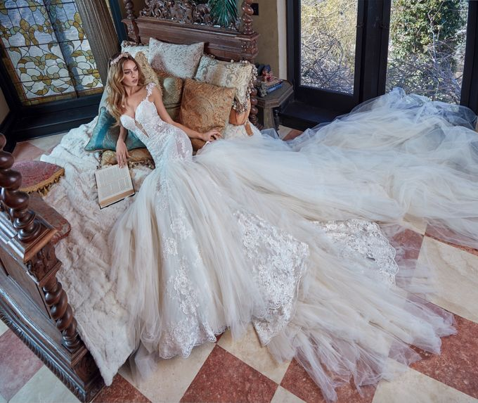 Galia Lahav - Spring 2017 Le Secret Royal Collection by The Proposal - 005