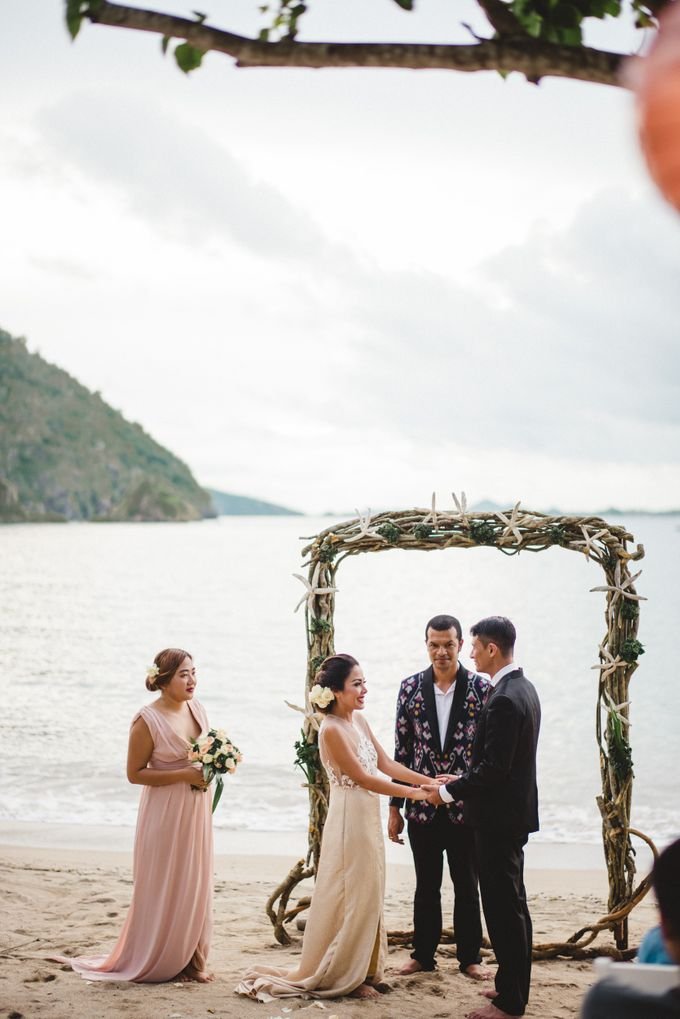 Beach Wedding at Plataran Komodo Resort and Spa by Plataran Indonesia - 033