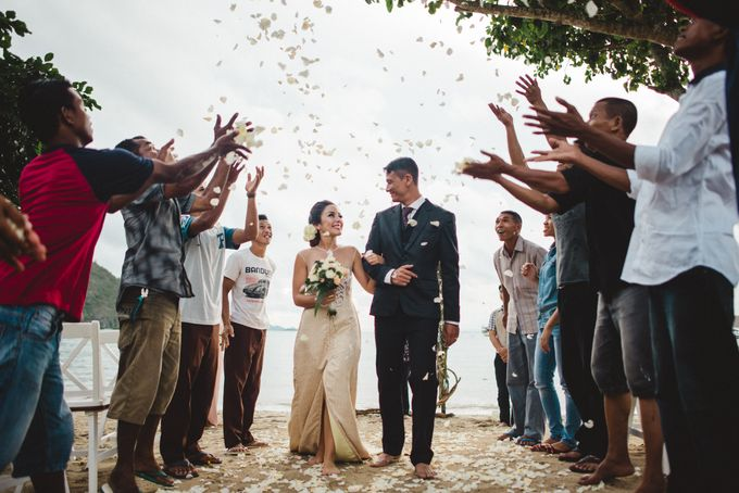 Beach Wedding at Plataran Komodo Resort and Spa by Plataran Indonesia - 041