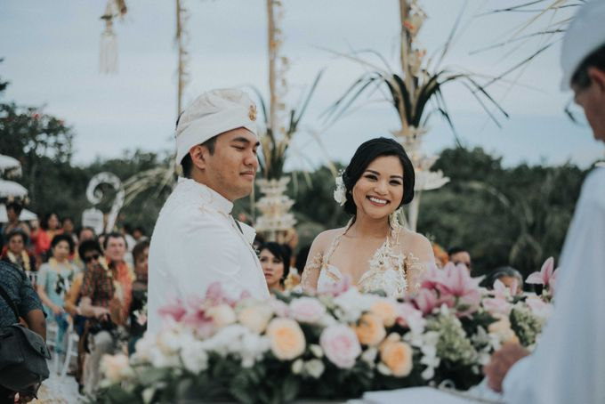 Andrew & Mylene Beautiful Wedding in Bali by Lis Make Up - 033