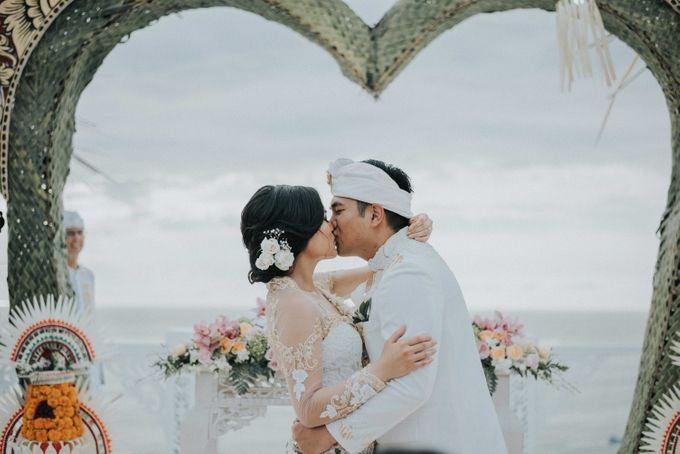 Andrew & Mylene Beautiful Wedding in Bali by Lis Make Up - 034