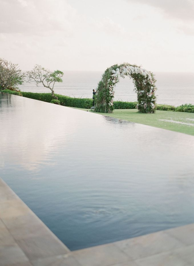 Rachael and Darren Wedding in Uluwatu Bali by Greg Finck - 003