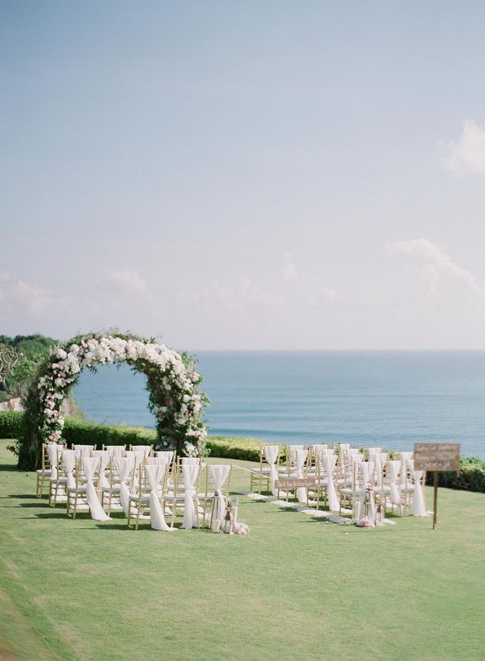 Rachael and Darren Wedding in Uluwatu Bali by Greg Finck - 019