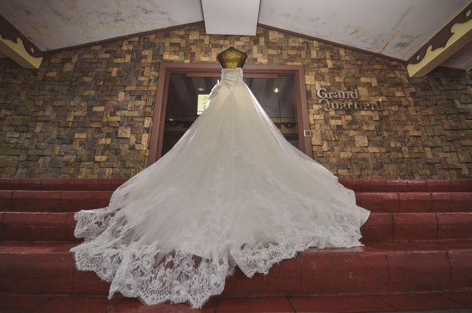 Raymond and Kristine Wedding by RAJ Photo - 011