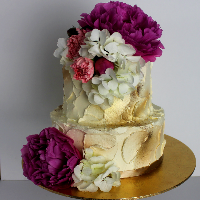 Buttercream Rustic with Fresh Floral by Carousel Moments - 007