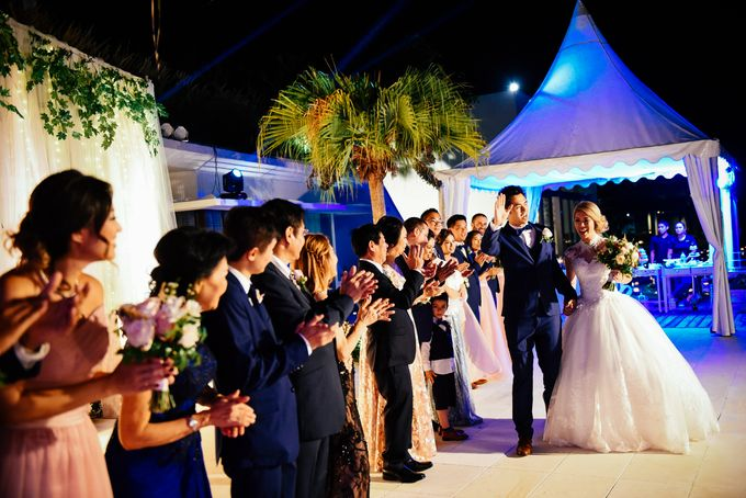 TRILINGUAL MC for Radius & Cathy's wedding at Latitude Villa Bali Indonesia by BEBOP Entertainment - 016