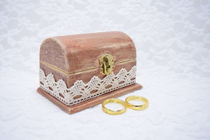 Ring pillows and ring boxes by Weddingbliss - 007