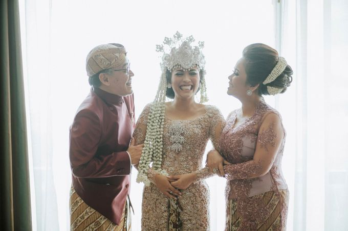 Ritz Carlton Wedding by Antijitters Photo - 017