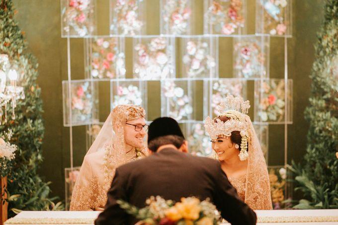Ritz Carlton Wedding by Antijitters Photo - 027