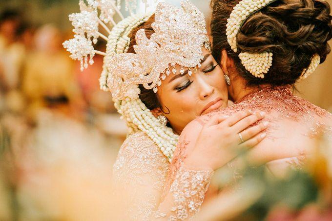 Ritz Carlton Wedding by Antijitters Photo - 030