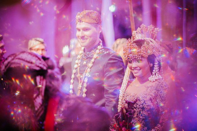 Ritz Carlton Wedding by Antijitters Photo - 041