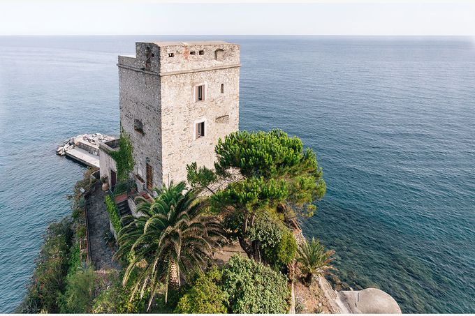 Romantic wedding proposal by the sea in Monterosso in Cinque Terre by PURE wedding photography - 003