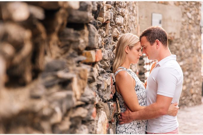 Romantic wedding proposal by the sea in Monterosso in Cinque Terre by PURE wedding photography - 015