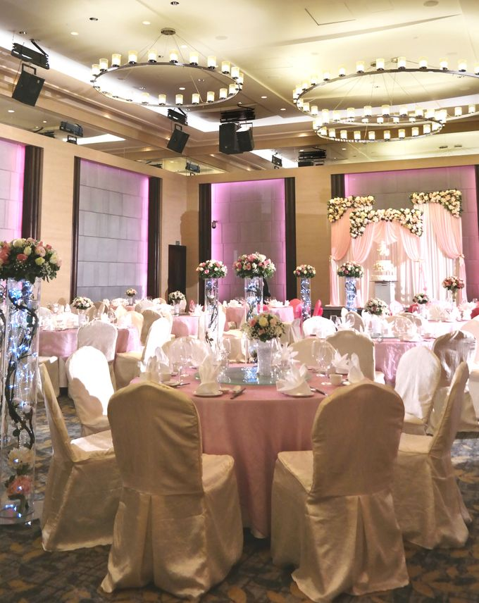 Empress Ballroom Wedding by Carlton Hotel Singapore - 006