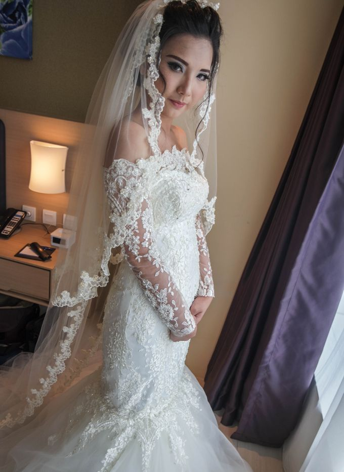 Terrycatherina & Arifs wedding by Stephanie Amanda Couture - 009