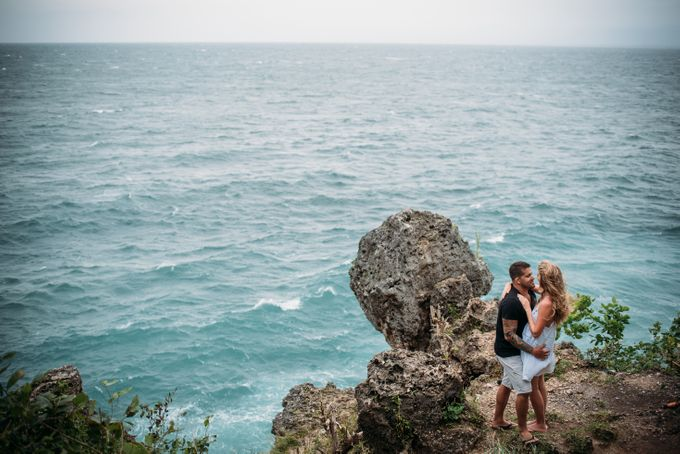 Wind Cannot Stop Us on Engagement Thiago and Jessica from Brazil by Mariyasa - 011