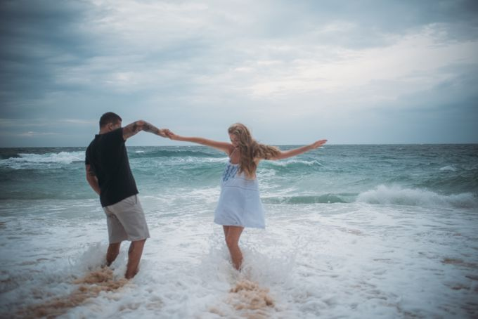 Wind Cannot Stop Us on Engagement Thiago and Jessica from Brazil by Mariyasa - 010