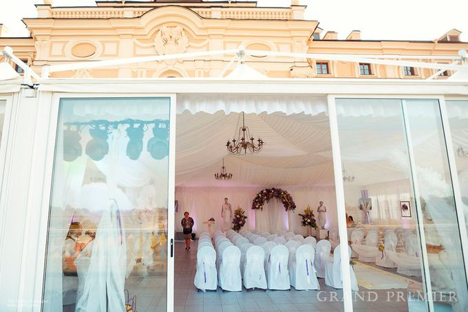 Wedding in the Peterhof and Konstantinovsky Palace by Grand Premier - 021