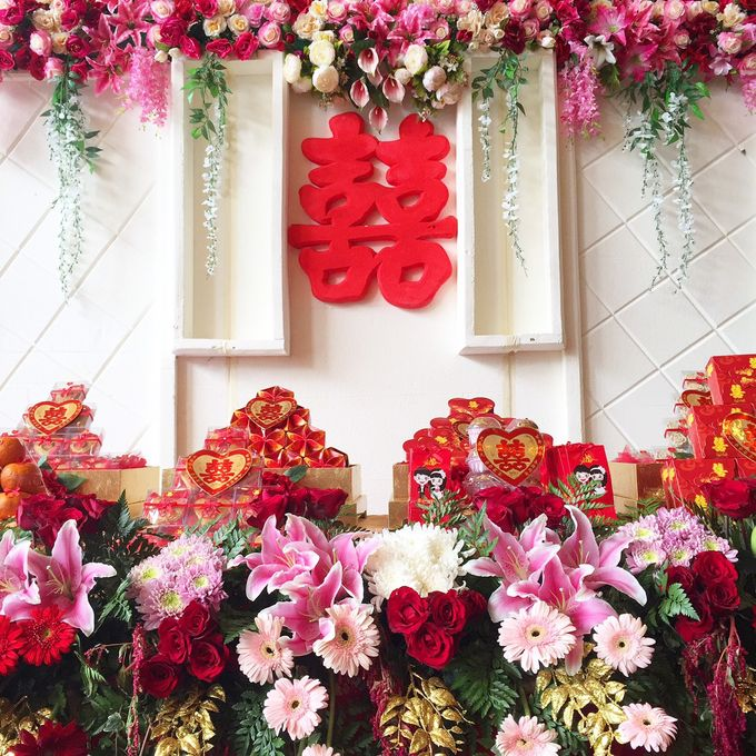 Engagement of Jemmy & Caroline by Rossely's Florist - 002
