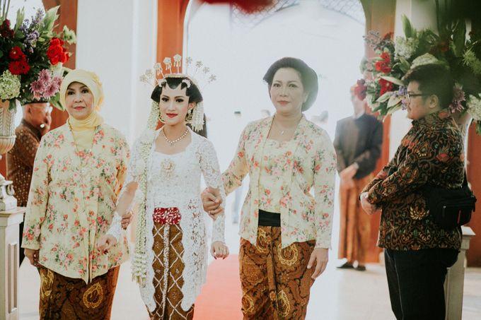 Sampoerna Strategic Wedding - Amitya & Abhi by Antijitters Photo - 026